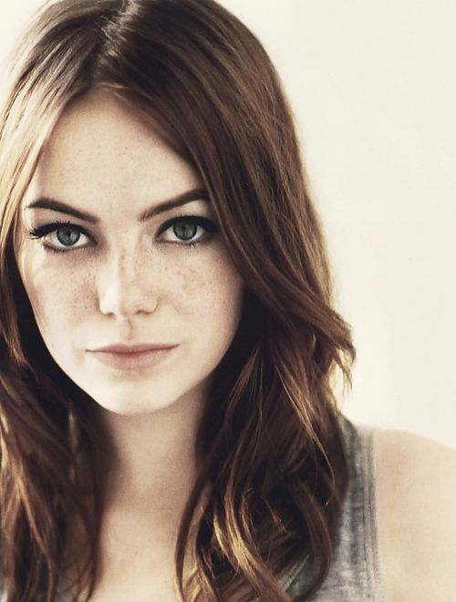 emma_stone_freckles_natural_beauty