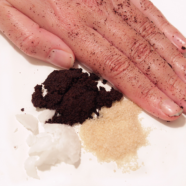 DIY Coffee Scrub - beauty hacks