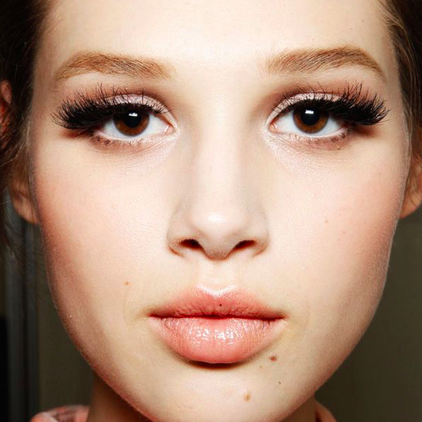 long lashes exaggerated trend 2016 makeup
